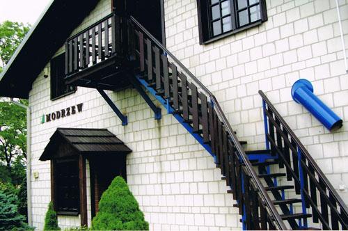 Drewniane schody zewnetrzne