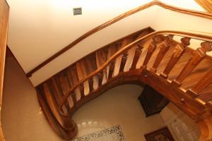 schody kręcone z drewna